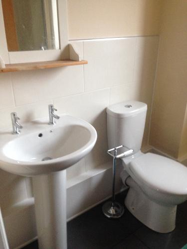 Jfc liverpool builders builders liverpool for Bathroom builders liverpool